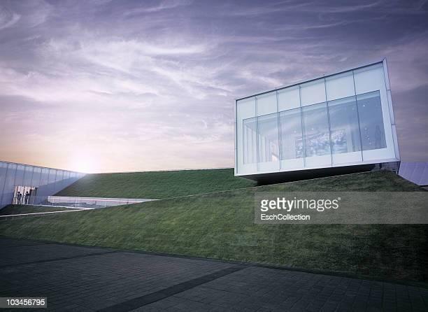 sunset at the irish pavilion at the expo shanghai. - パビリオン ストックフォトと画像