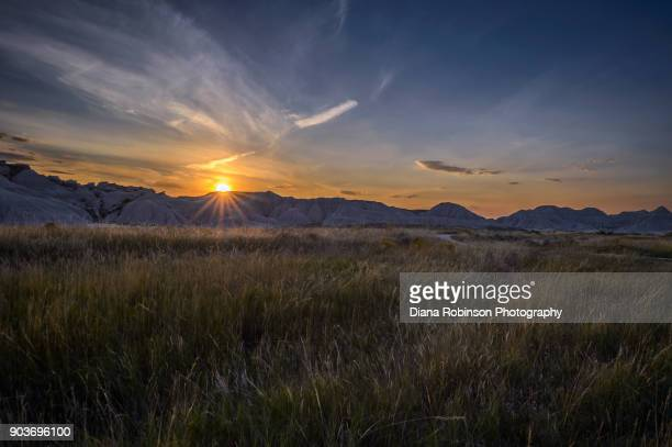 sunset at toadstool geologic park in oglala national grassland in northwestern nebraska - nebraska stock photos and pictures
