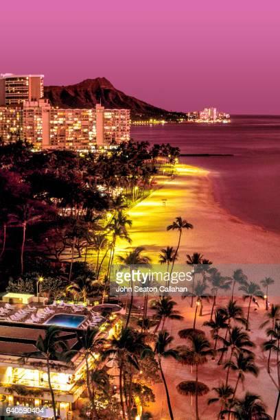 sunset at waikiki beach - ダイヤモンドヘッド ストックフォトと画像