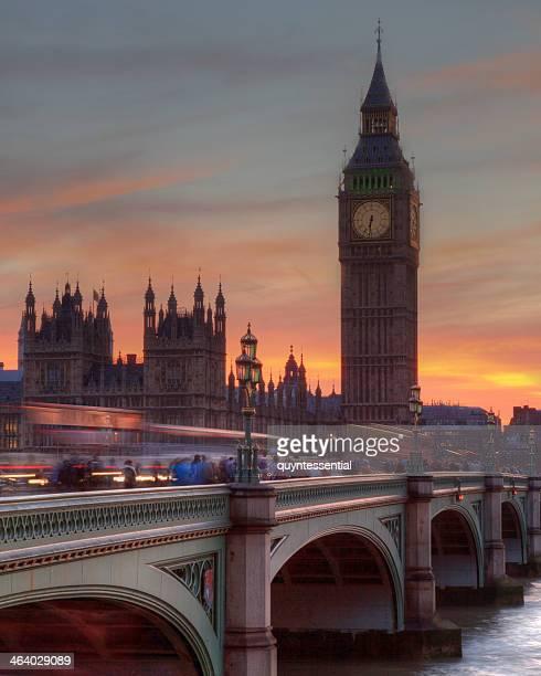 sunset at westminster - ウェストミンスター橋 ストックフォトと画像