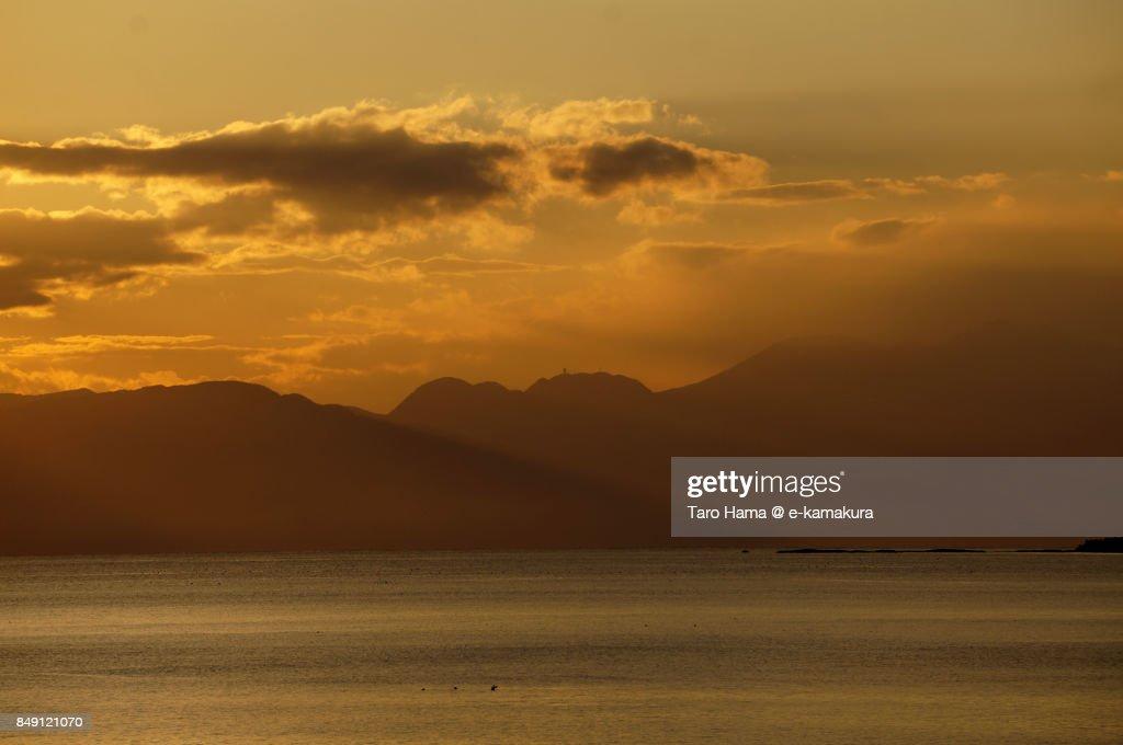 Sunset clouds on Mt. Hakone and Sagami Bay : ストックフォト