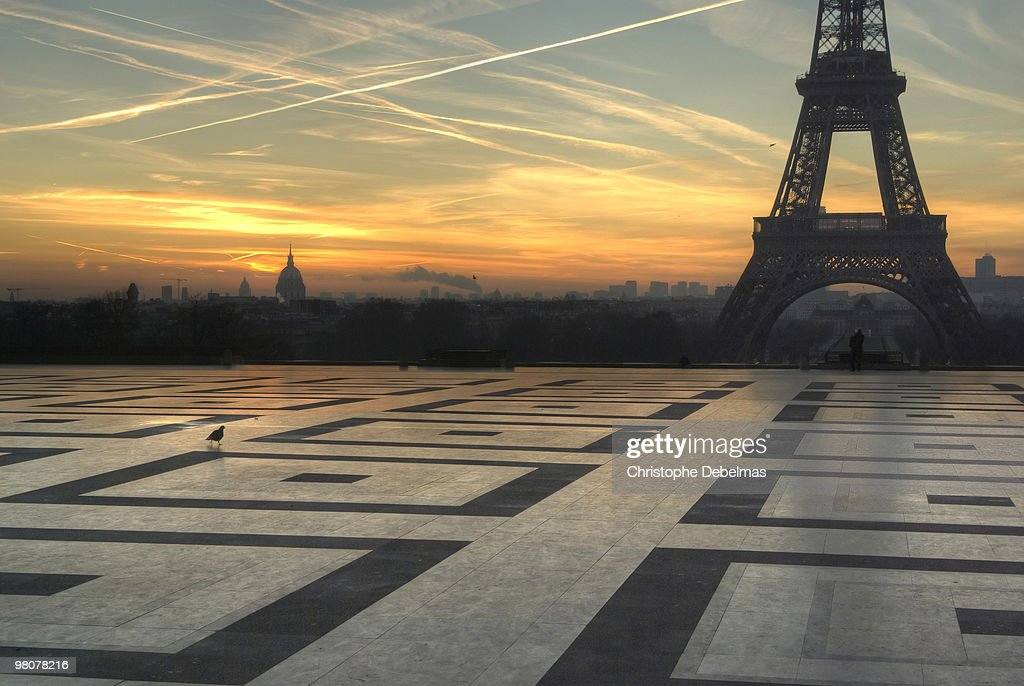 Sunset Eiffel tower : Stock Photo