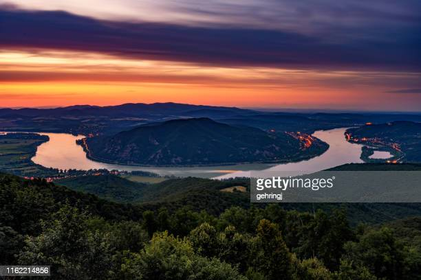 sunset image of the beautiful danube river curve, pest county, hungary - hungary stock pictures, royalty-free photos & images