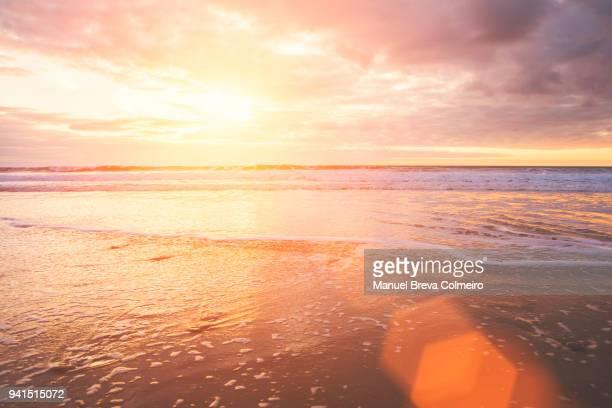 sunset in cádiz - cielo melancólico fotografías e imágenes de stock