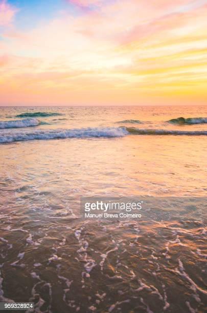 sunset in cádiz - ruhe vor dem sturm stock-fotos und bilder