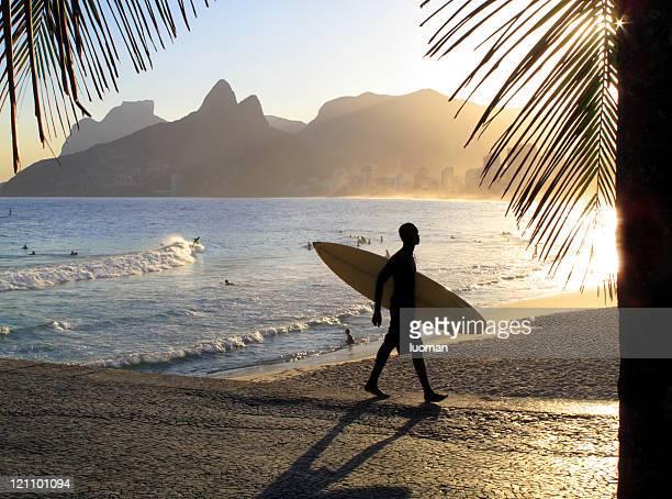 Coucher de soleil sur la plage d'Ipanema à Rio de Janeiro