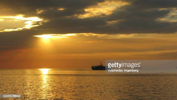 sunset in manila bay, hour of magic and mystery - argenberg stock pictures, royalty-free photos & images