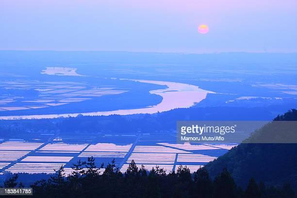 sunset in mogami, yamagata prefecture - 山形県 ストックフォトと画像