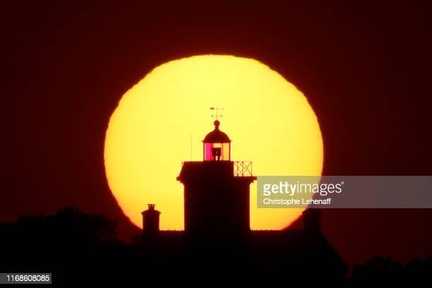 sunset in normandy (france) - cotentin photos et images de collection