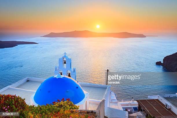 日没のサントリーニ島、ギリシャ