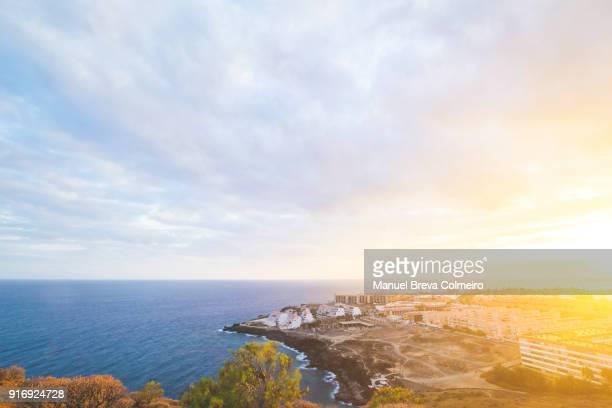 sunset in tenerife - isla de tenerife fotografías e imágenes de stock