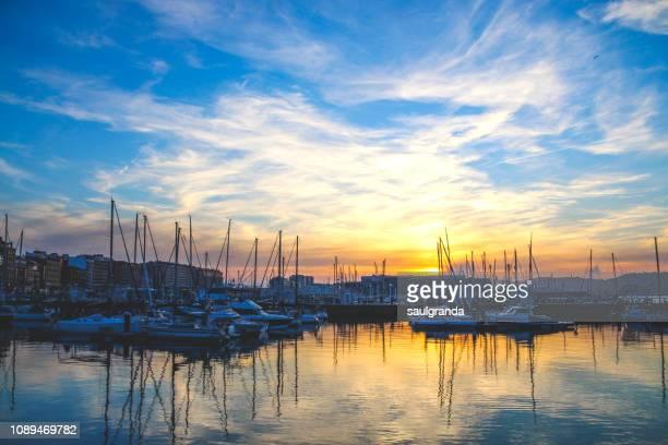 sunset in the marina - ヒホン ストックフォトと画像
