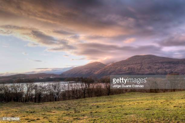 sunset in the scottish highlands - jorge duarte estevao stock pictures, royalty-free photos & images