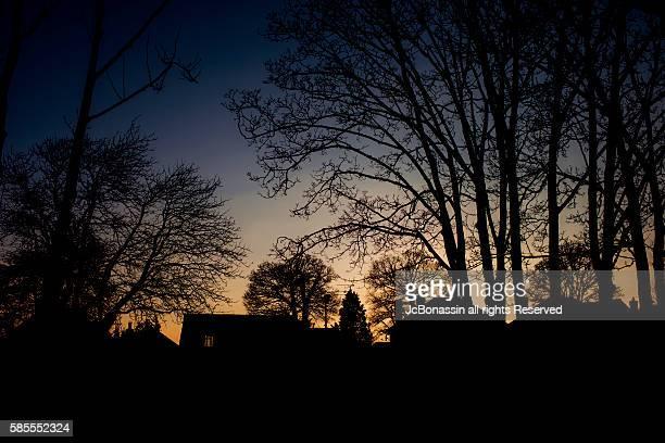 sunset in the uk - jcbonassin stock-fotos und bilder