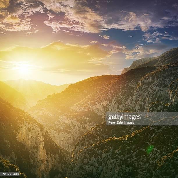 sunset in the verdon gorge, france - gorges du verdon photos et images de collection