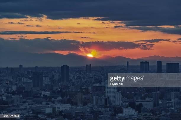 sunset in tokyo - liyao xie stockfoto's en -beelden