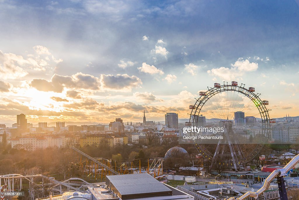 Sunset in Wiener Riesenrad : Stockfoto