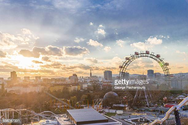 sunset in wiener riesenrad - vienna austria stock pictures, royalty-free photos & images