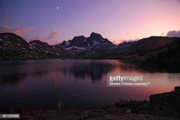sunset light on garnet lake - john muir trail stock photos and pictures