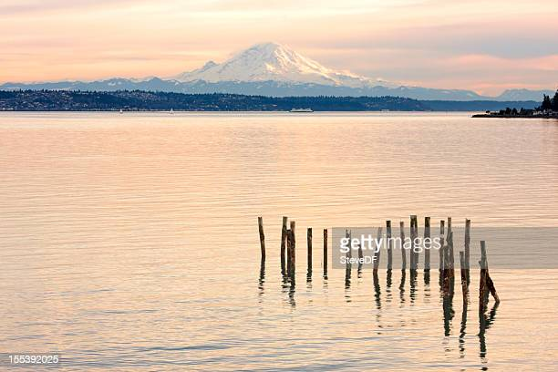 sunset on mount rainier seen over puget sound - kitsap county washington state stock pictures, royalty-free photos & images