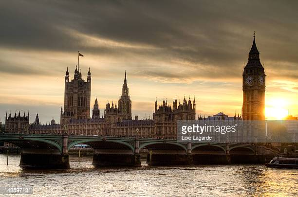 sunset on westminster - lagarde stock pictures, royalty-free photos & images