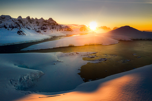 Sunset ove Port Lockroy - gettyimageskorea