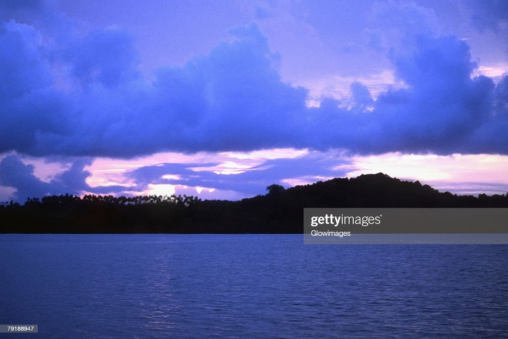 Sunset over an ocean, New Britain, Papua New Guinea : Foto de stock