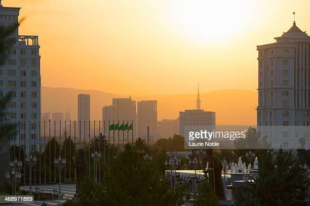 sunset over ashgabat, turkmenistan - トルクメニスタン ストックフォトと画像