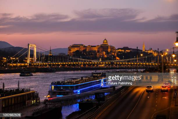 Sunset over Buda Castle in Budapest and the river Danube Matthew Chattle / Barcroft Images
