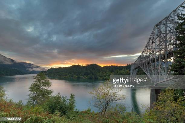 sunset over columbia river - 国立オリンピック競技場 ストックフォトと画像