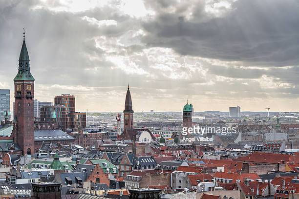 sunset over copenhagen - christiansborg palace stock pictures, royalty-free photos & images