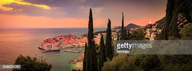 クロアチアのドゥブロヴニクに沈む夕日 - ドブロブニク ストックフォトと画像