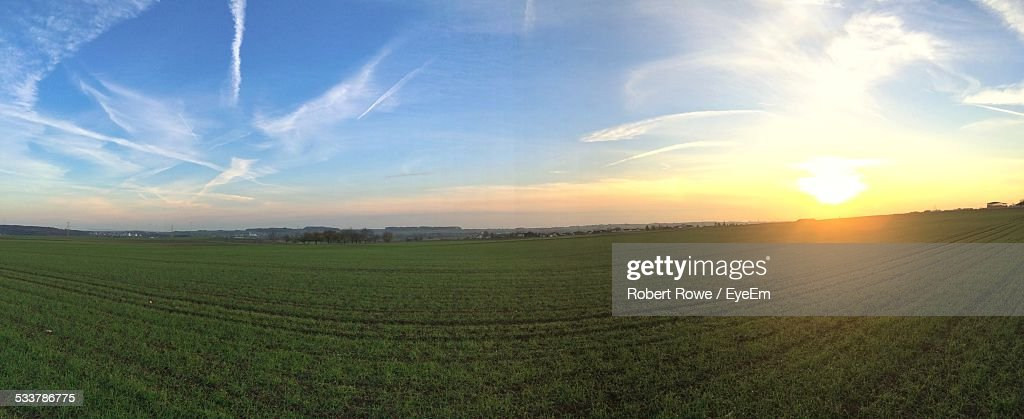 Sunset Over Field : Foto stock
