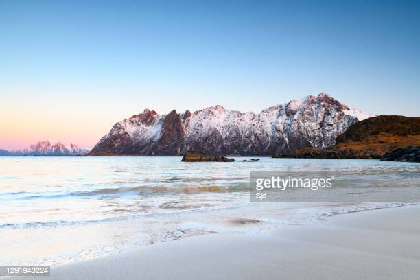 "sunset over hovden beach at the vesteralen archipel in northern norway during winter - ""sjoerd van der wal"" or ""sjo"" stock pictures, royalty-free photos & images"