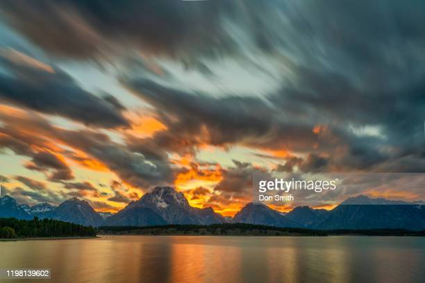 sunset over jackson lake, grand teton national park - don smith stock pictures, royalty-free photos & images