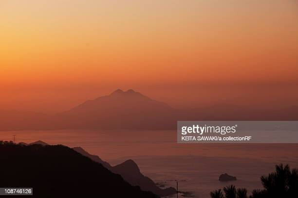 sunset over mount aoba- - fukui prefecture - fotografias e filmes do acervo