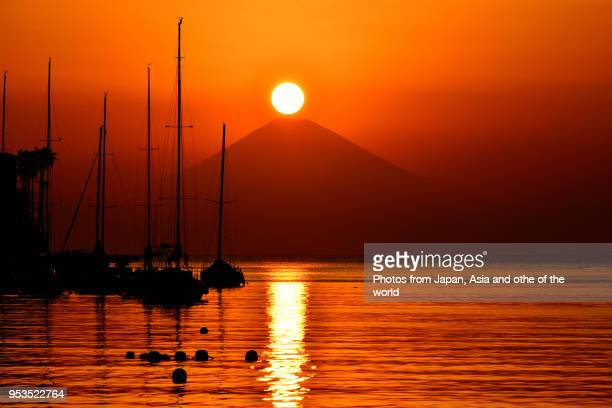 sunset over mt fuji, view from miura peninsula, kanagawa prefecture - 神奈川県 ストックフォトと画像