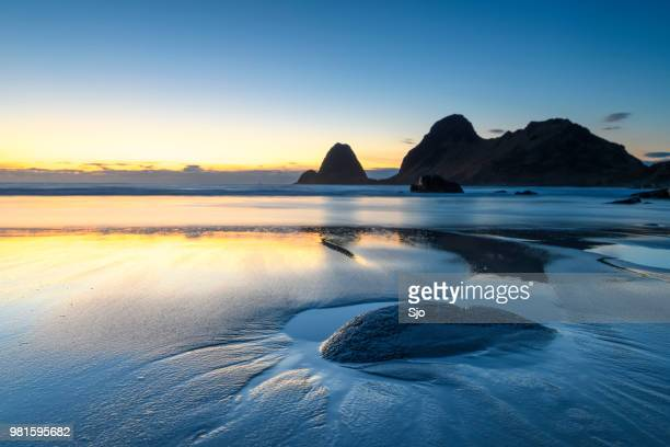 "sunset over nykvag beach at the vesteralen archipel in northern norway - ""sjoerd van der wal"" or ""sjo"" stock pictures, royalty-free photos & images"