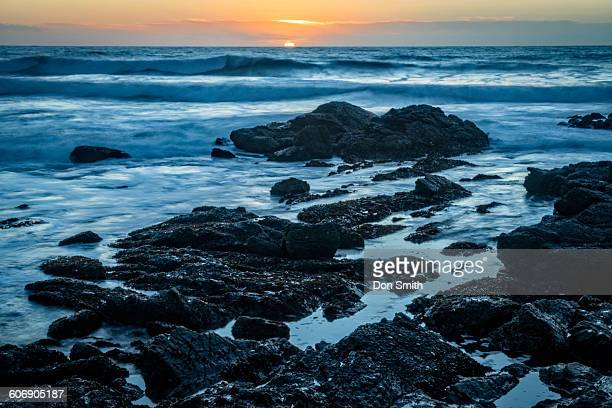 sunset over pacific near pigeon point - don smith stock pictures, royalty-free photos & images