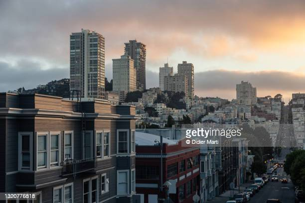 sunset over russian hill in san francisco - north beach san francisco stock pictures, royalty-free photos & images