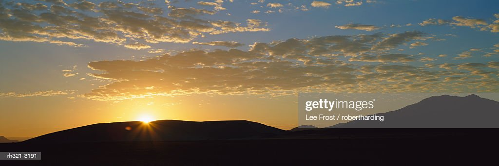 Sunset over sand dunes at Sesriem, Namib Naukluft Park, Namibia : Stockfoto