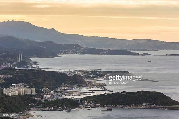 sunset over taiwan north coast - didier marti stock-fotos und bilder