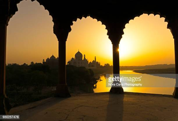 sunset over taj mahal - yamuna river stock pictures, royalty-free photos & images