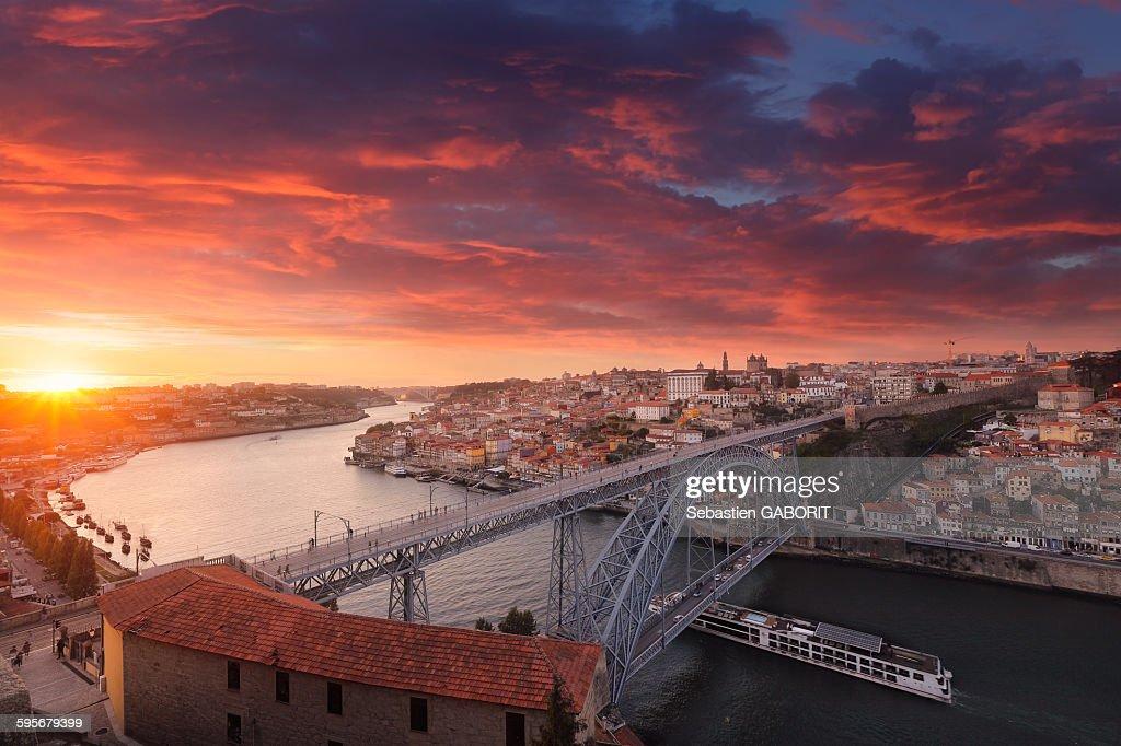 Sunset over the beautiful city of Porto : Stock Photo