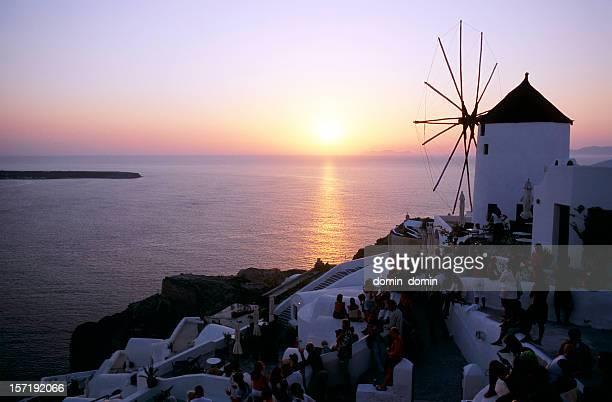 夕日で有名なイアヴィレッジの、サントリーニ島、ギリシャ