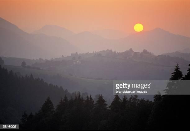 Sunset over the Gamsstein Lower Austria [Sonnenuntergang am Gamsstein Photographie]