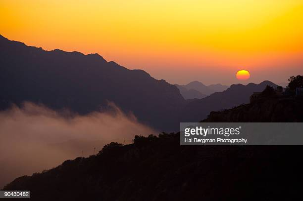 sunset over the santa monica mountains - los angeles mountains stock pictures, royalty-free photos & images