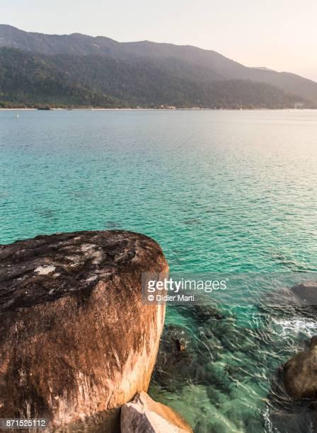 sunset over tioman island in malaysia - didier marti stock-fotos und bilder