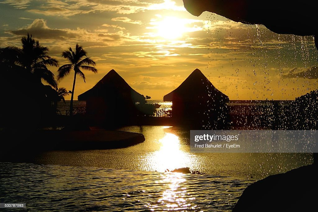Sunset Over Tropical Coastline : Foto stock