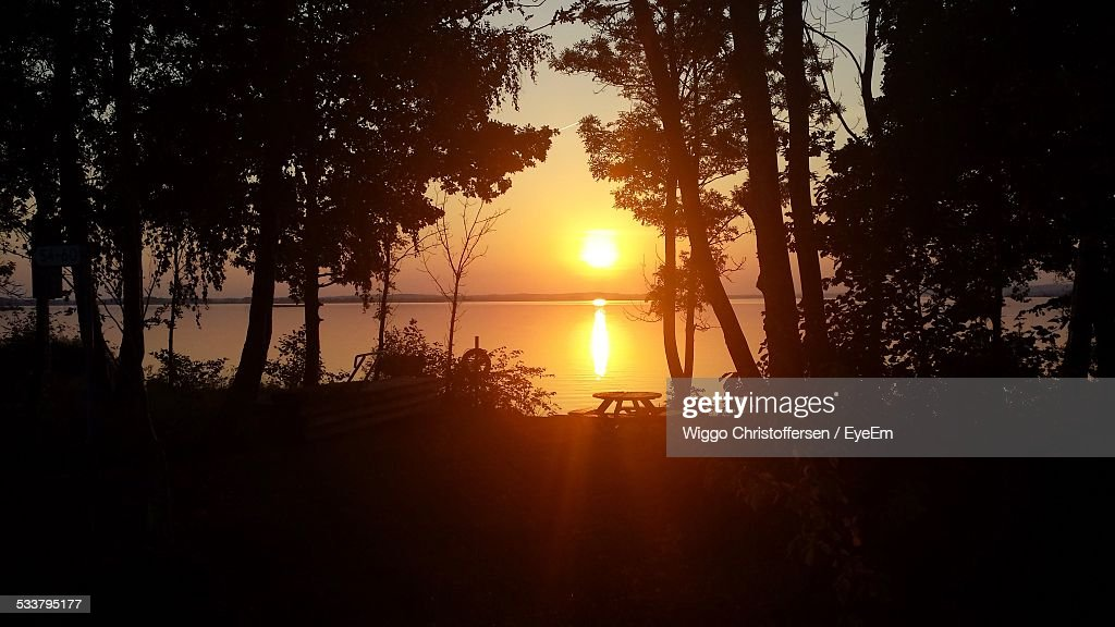 Sunset Over Water : Foto stock
